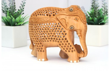 Lattice Style Carving – A Masterpiece in Indian Wood Carving Work